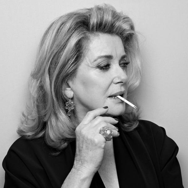 100 француженок во главе с Катрин Денёв поддержали право мужчин «приставать» к женщинам