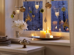 Свечи при оформлении новогоднего интерьера